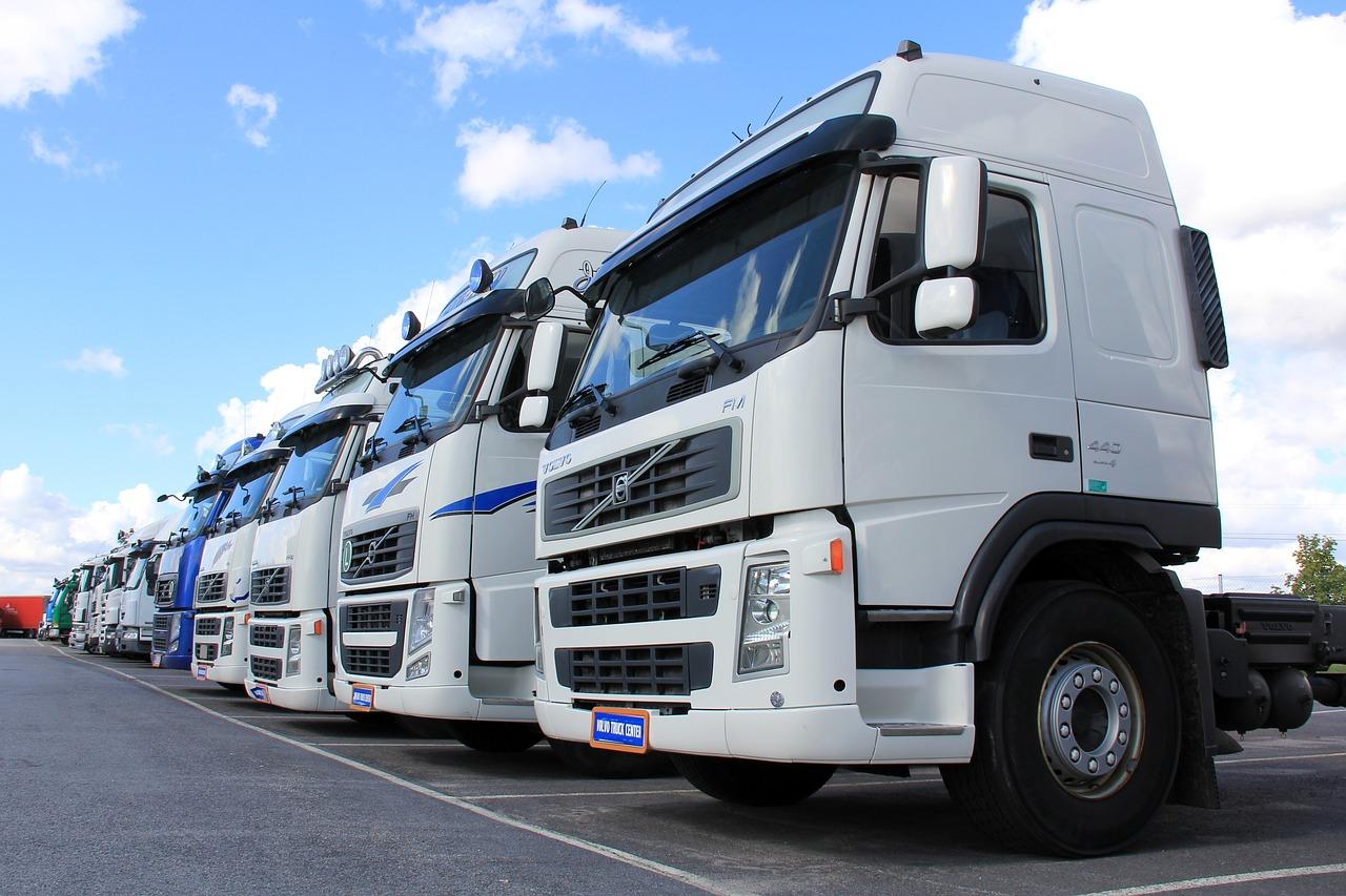 advanced-moving-trucks